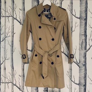 Burberry classic tan trench coat XS